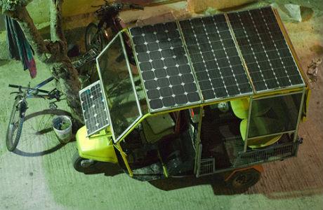 Solar-powered-rickshaws