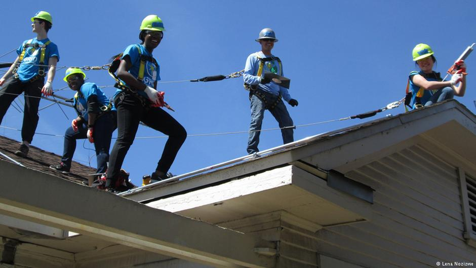 Solar power helps transform LA gang members