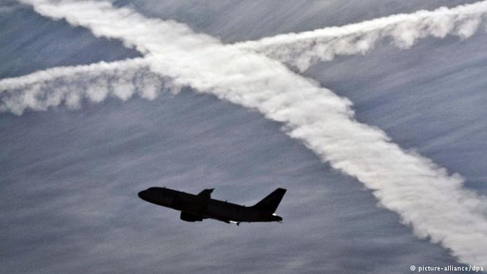 fly-environmental-air-travel-contrails-marketexpress-in